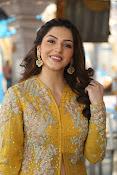 mehreen kaur latest glam pics-thumbnail-5