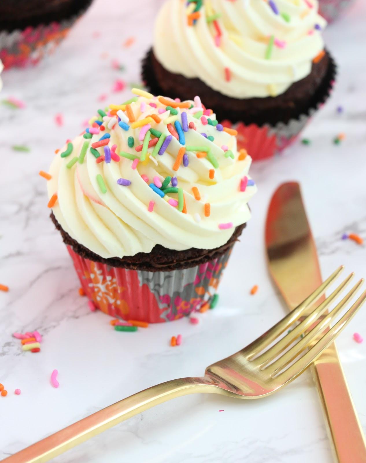 Bake It Brownie Sundae Cupcakes A Kailo Chic Life