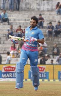 Foto Shabbir Ahluwalia sebagai pemain kriket