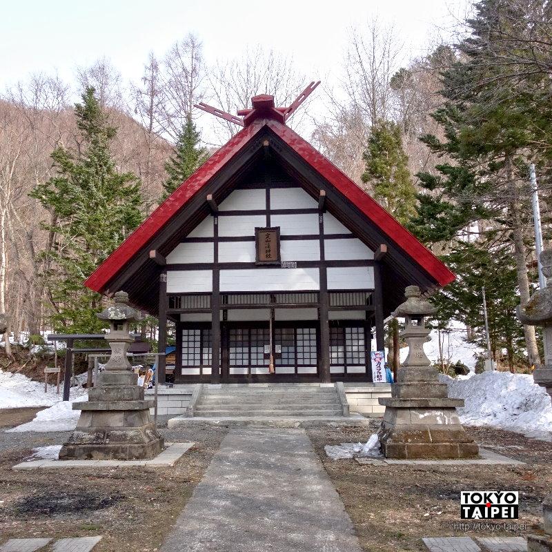 【定山溪神社】百年歷史小神社 向發現溫泉的僧侶祈求平安