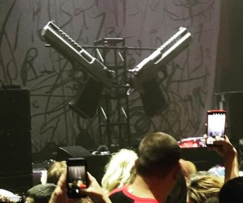 Marilyn Manson Hammerstein Ballroom pistols