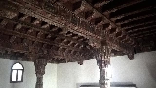 Mahmut Bey Camii (Çivisiz Camii) tavan.