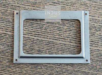 Porte étiquette meuble à clapet Strafor