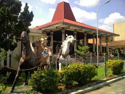 "Tempat wisata di Semarang ""Museum Ranggawarsita Abdulrahman Saleh"""