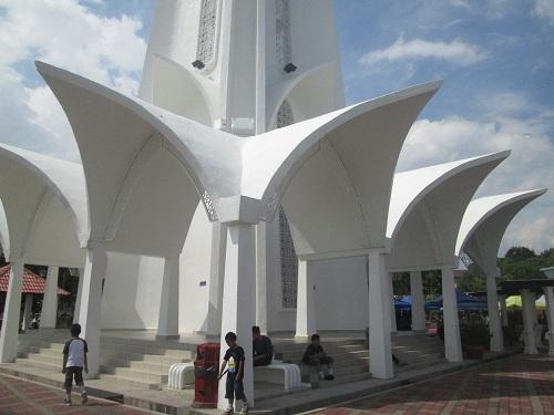 Masjid Terapung Selat Melaka