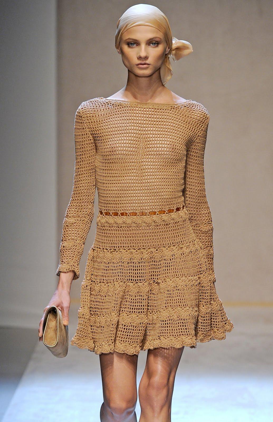 Вязаное платье от дизайнера