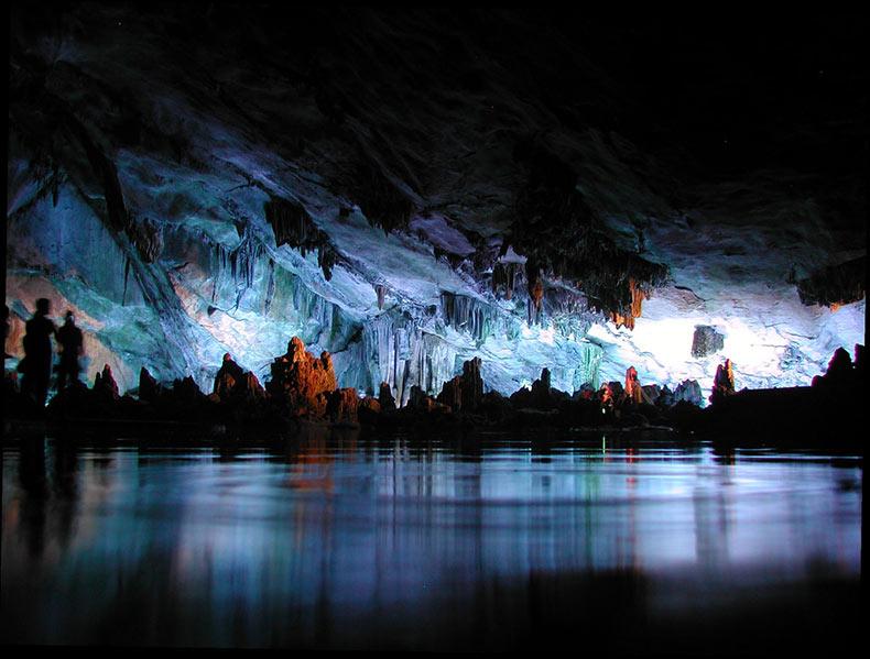 Reed Flute Cave: una cueva melódica en Guilin | China