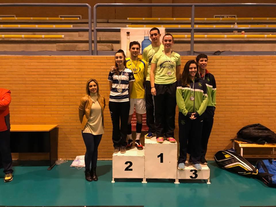 2 platas para rafael porcuna en el trofeo de andaluc a absoluto club de b dminton caser clear - Caser seguros malaga ...
