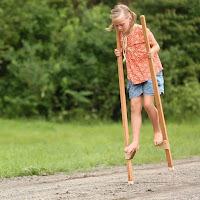 Juegos de madera para niños de pararse