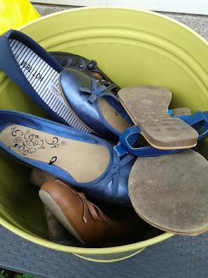 weg oude schoenen