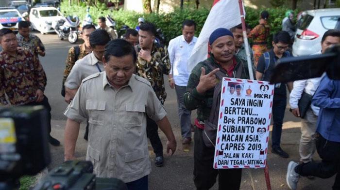 Jalan Kaki Ratusan Kilo, Rahman Akhirnya Bertemu Prabowo