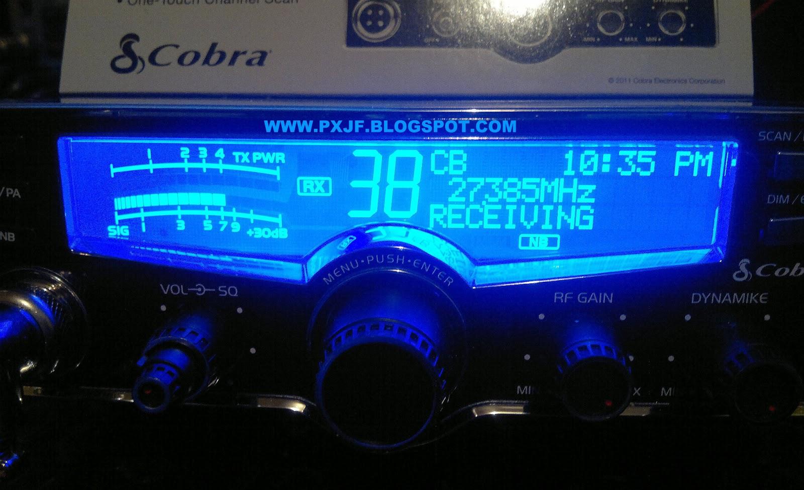 8d763c3af66 ... potência ao acionar o microfone - 4 watts  os modelos mais completos  não possuem esta característica de mostrar a potência no visor. Olhe a foto  abaixo.