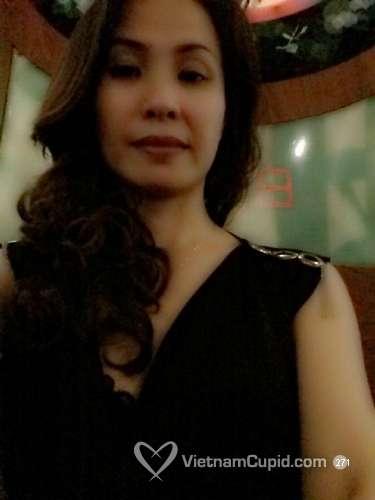 Thu Huong / 42 / Nữ / Quận 7, Hồ Chí Minh