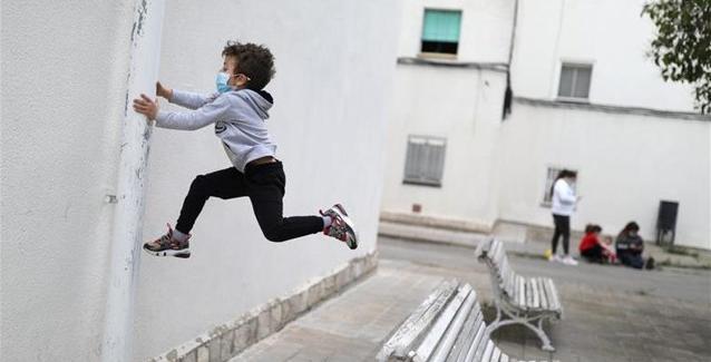 Ισπανία: Υποχρεωτική η μάσκα σε μαθητές άνω των 6 ετών !
