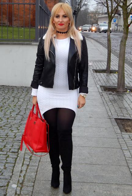 Biała asymetryczna sukienka