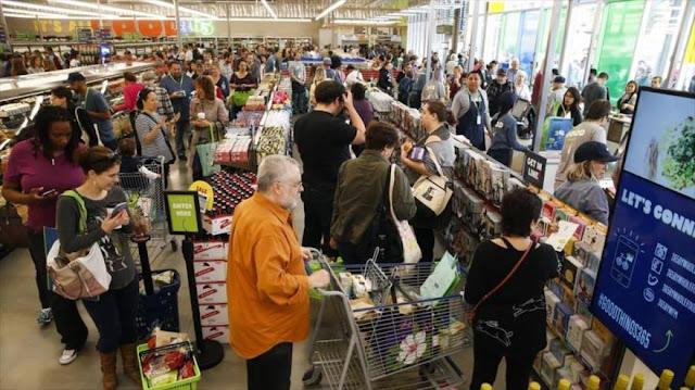 Avalancha de estadounidenses en mercados por temor a disturbios