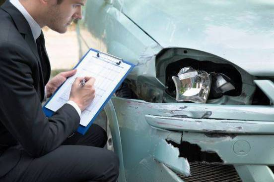 What to Look for a Car Accident Lawyer And How A Car Accident Lawyer Can Help You?