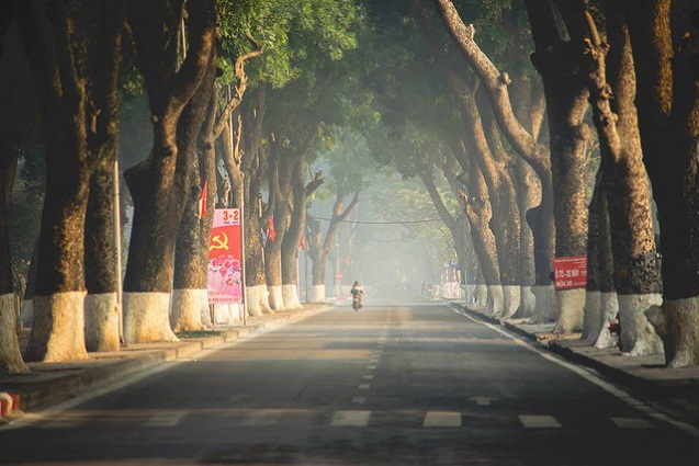 Surprised about a Hanoi in the morning of late autumn