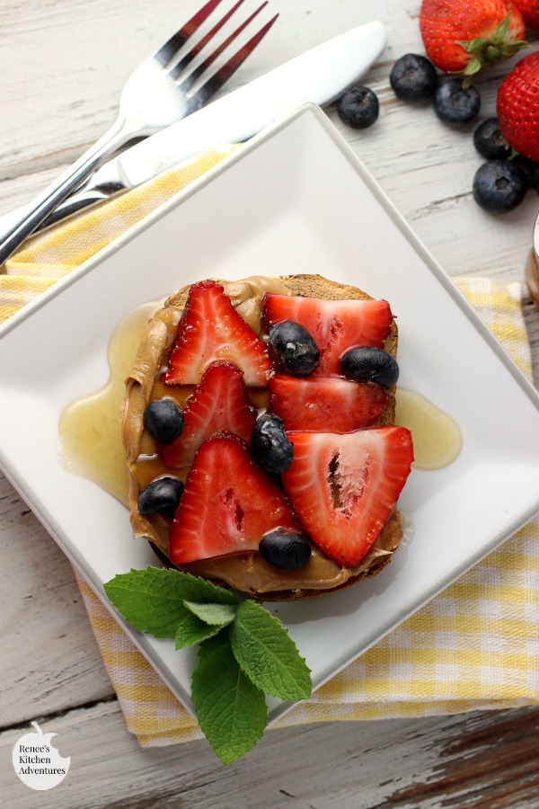 Peanut Butter Toast with Berries and Honey | Renee's Kitchen Adventures - quick and easy recipe for a toast that makes a great snack, quick breakfast, or dessert that is good-for-you! #ad #HarvestBlends