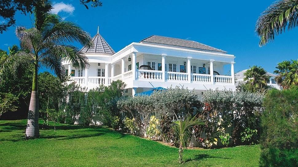 Dunk Island Holidays: ESCAPE TO PARADISE: Half Moon Resort, Jamaica