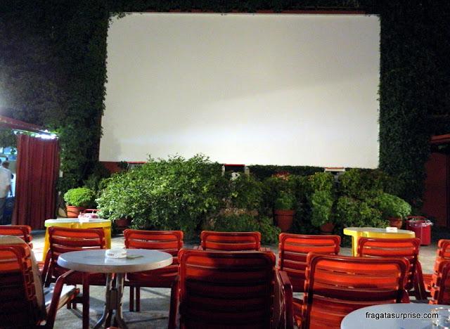 Sala de projeção ao ar livre do Cine Thision, em Atenas