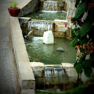 Canal de Água em Aguas Calientes, Peru