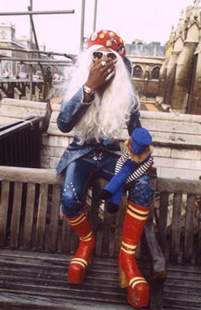 Men In Heels Vintage Photos Of Male Rock Stars Wearing