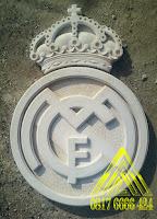 batu alam paras jogja atau batu paras putih logo club sepak bola