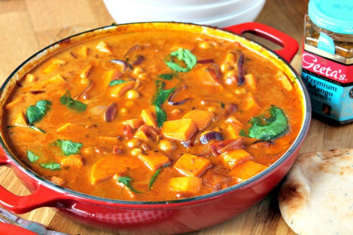 Spicy Sweet Potato, Chickpea and Spinach Curry