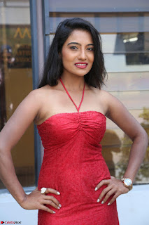 Mamatha sizzles in red Gown at Katrina Karina Madhyalo Kamal Haasan movie Launch event 102.JPG