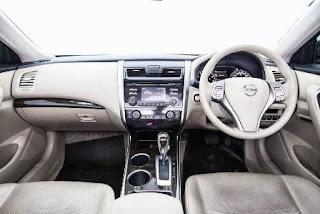 Komparasi Nissan Teana dan Honda Accord