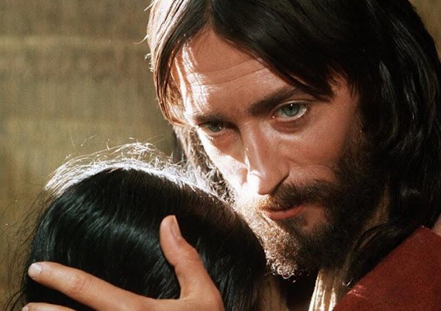 Δεν φαντάζεστε τι τηλεθέαση έκανε ο Ιησούς από τη Ναζαρέτ απέναντι από Τατουάζ και Survivor;