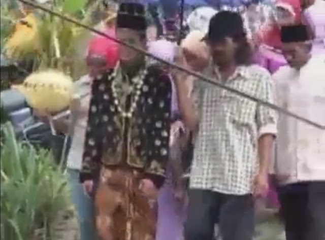 Download Vidio Viral Rombongan Temu Manten Jatuh Ke Sungai Lucu Banget, haha
