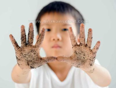 Cara Alami Mengatasi Cacingan Pada Anak Dalam 1 Hari
