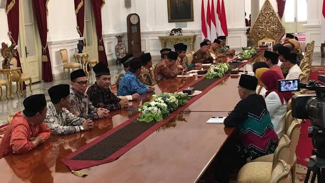 Wow! Jokowi Paksa Ulama & Tokoh Ormas Islam Kerja Sama dengan Para Taipan