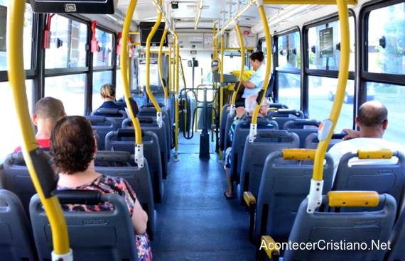 Mujer agredida en bus