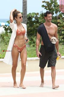 Natalia-Borges-Bikini-Candids-in-Miami-Beach-04+%7E+SexyCelebs.in+Exclusive.jpg