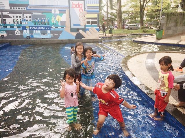 kolam renang gratis bandung