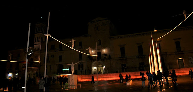 Piazza Regina Margherita, funambolo, luci d'Artista, Natale 2017