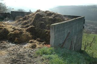 Abords zone protégée pollués GAEC Lo Pres Dary