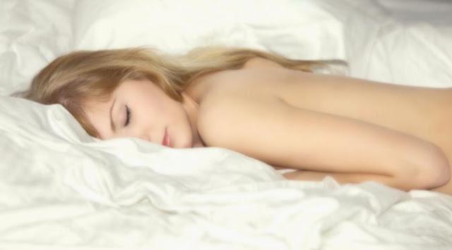 Banyak loh Kegunaan Tidur Telanjang