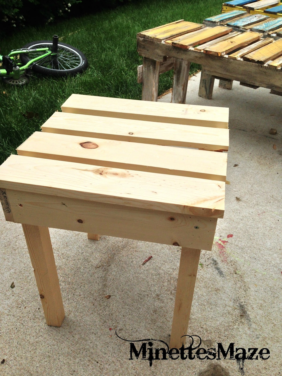 Minettesmaze Diy Patio Table