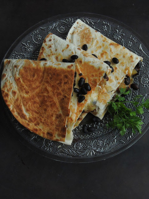 Black Beans Cheesy Quesadillas, Cheesy Black beans Quesadillas