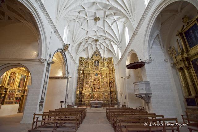 Interior de la Iglesia de la Colegiata de Alquézar, por El Guisante Verde Project