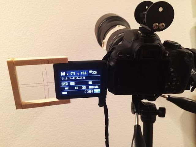 Homebuilt reticle for DSLR Liveview  screen makes for easy astronomical star alignment (Source: Palmia Observatory)