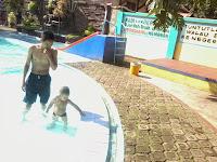 arfa lagi berenang