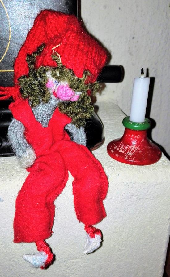 joulutonttu joulukynttilä
