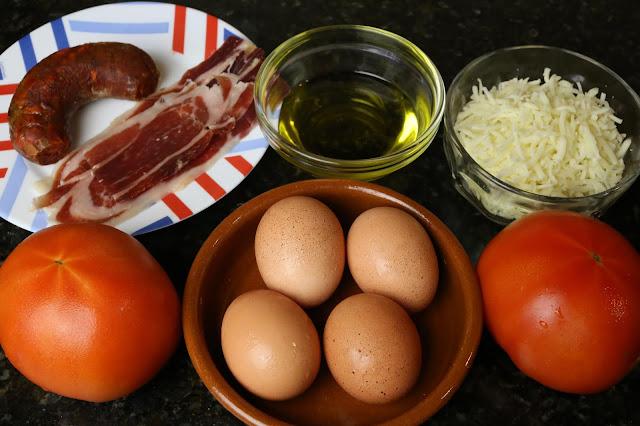 Ingredientes para huevos serranos