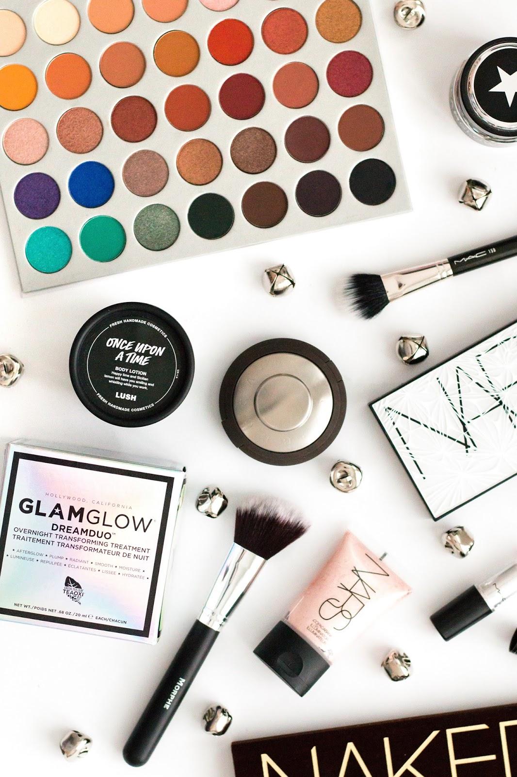 Beauty gift guide | beauty flatlay