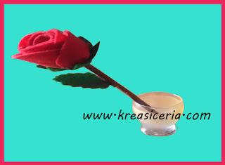 Membuat Sekuntum Mawar Merah dari Kain Flanel